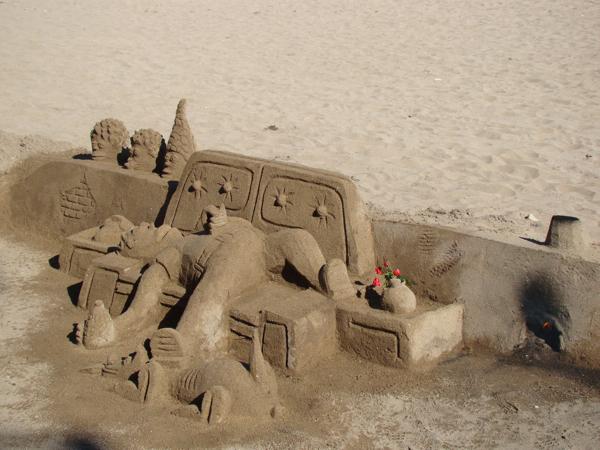 Фигуры из песка в Барселоне