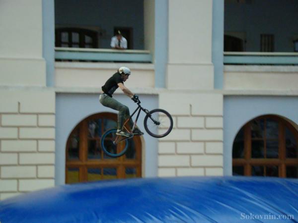 Прыжок на велосипеде