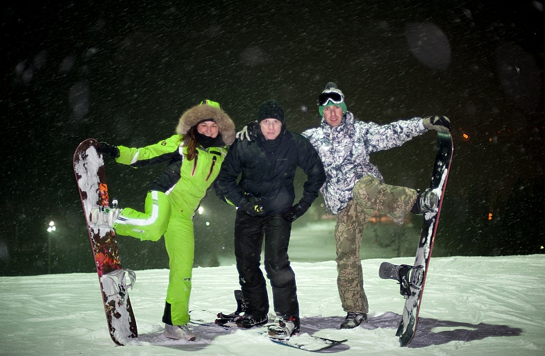 Команда сноубордеров в Логойске
