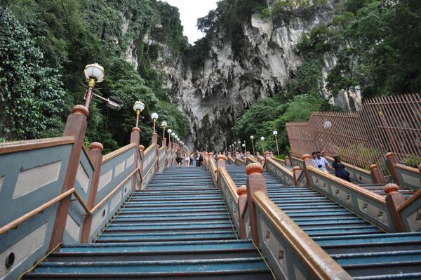 Лестница к пещерам Batu Caves