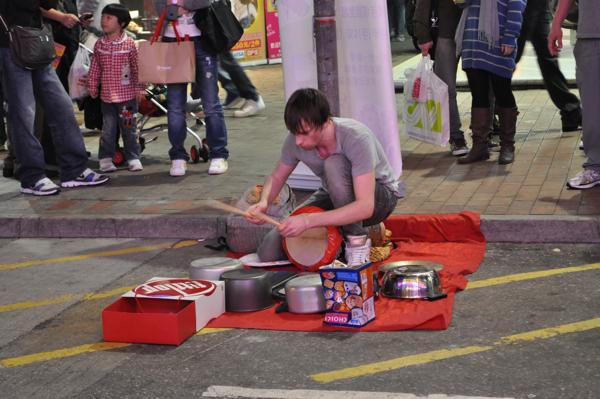 Играть на кастрюлях в Гонконге