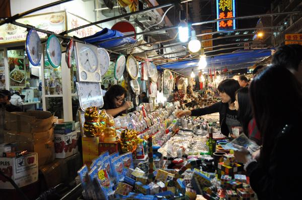 Ночной рынок Гонконг