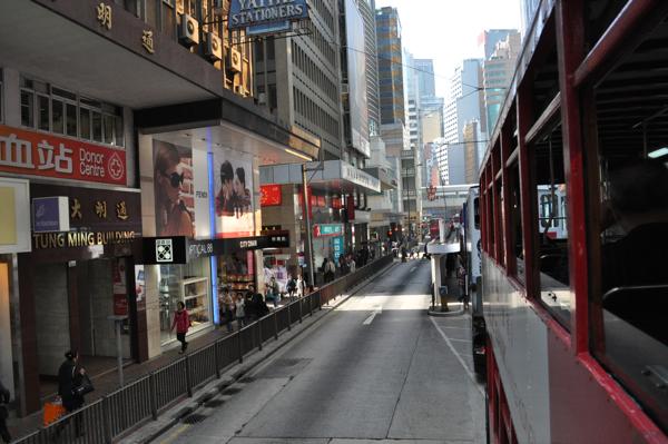 Вид из окна трамвая в Гонконге