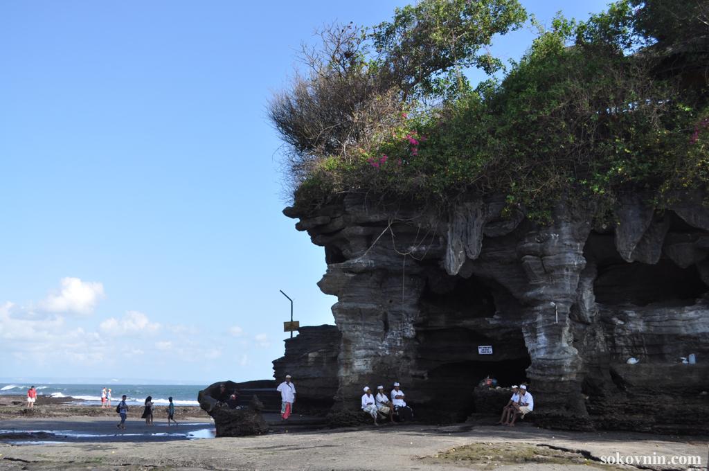 Храм на воде Танах Лот - Бали