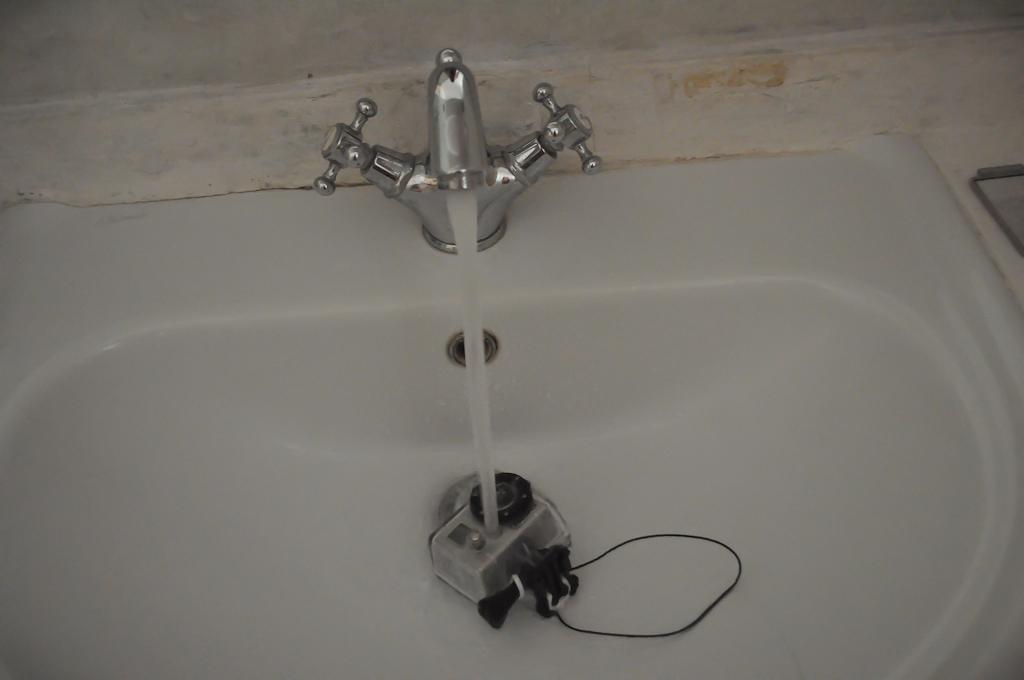 Проверяем камеру GoPro на водонепроницаемость