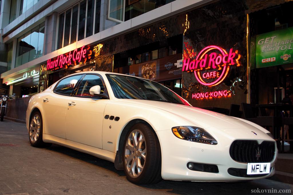 Вход в Hard Rock Cafe в Гонконге