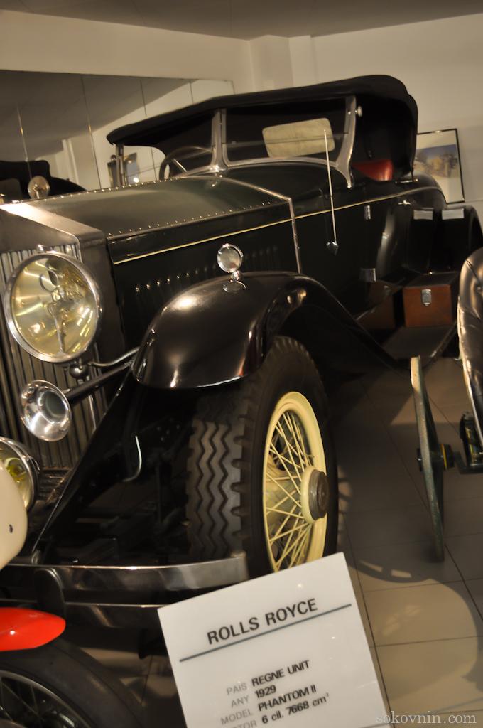 Старинные автомобили в Энкампе