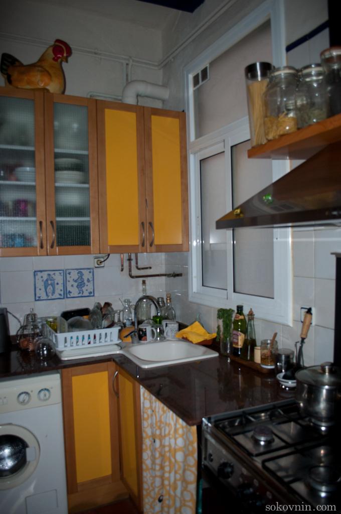 Кухня в нашей квартире в Барселоне