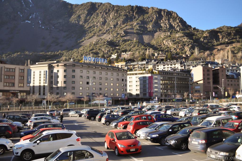 Автомобильная стоянка в Андорре