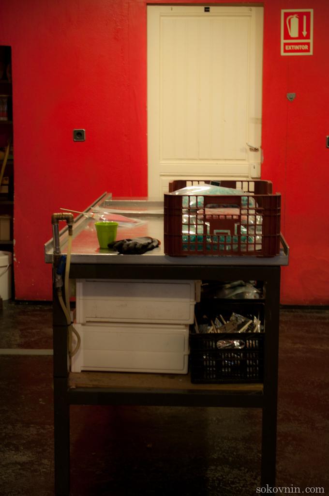 Охлаждаемый стол для изготовления карамели