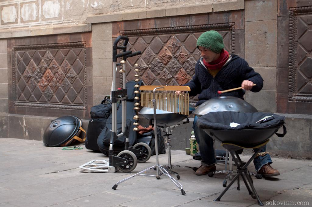 Уличные музыканты в Барселоне