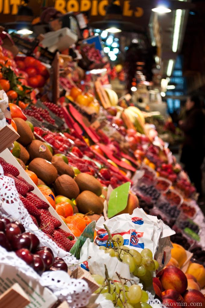 Фруктовый и овощной рынок в Барселоне