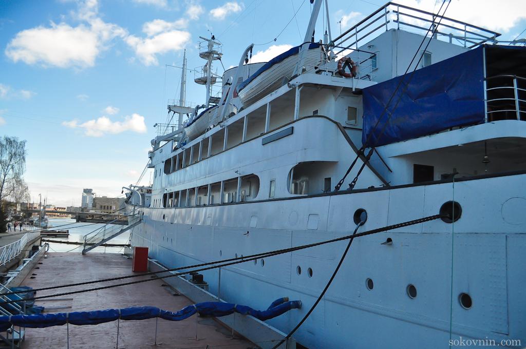 Экскурсия по кораблю в Калининграде