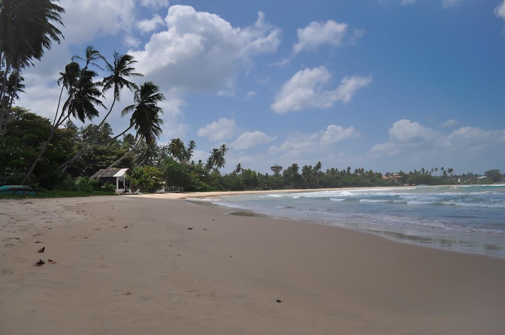 Пляж у отеля Dickwella