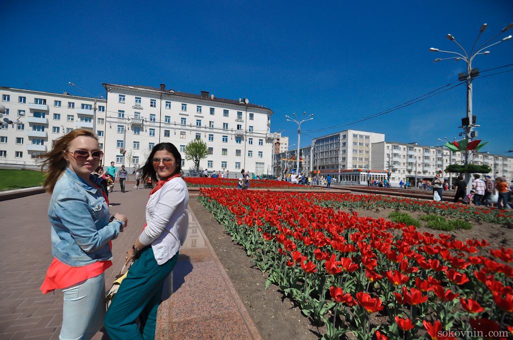 Цветы на Площади Победы