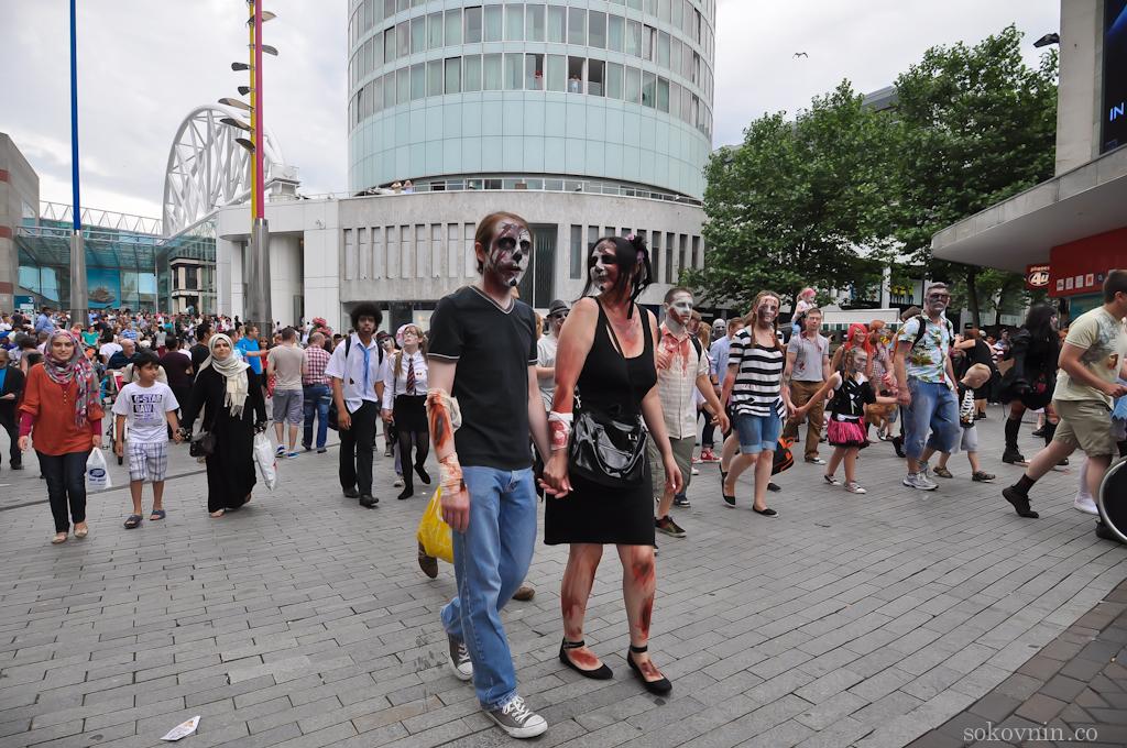 Зомби гуляют по Бирмингему