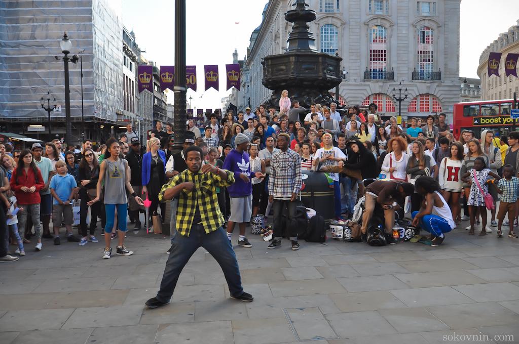 Уличные танцы в Лондоне