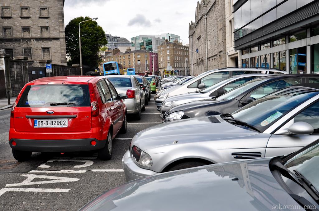Близко припаркованные машины
