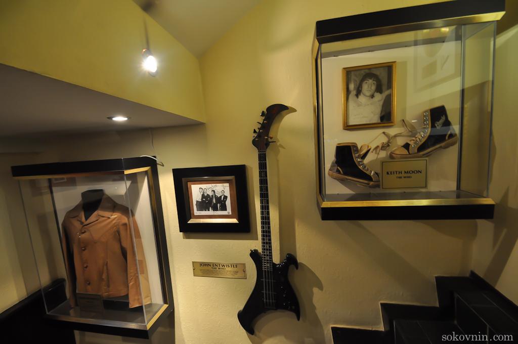 Гитары знаменитостей в Хардрок кафе