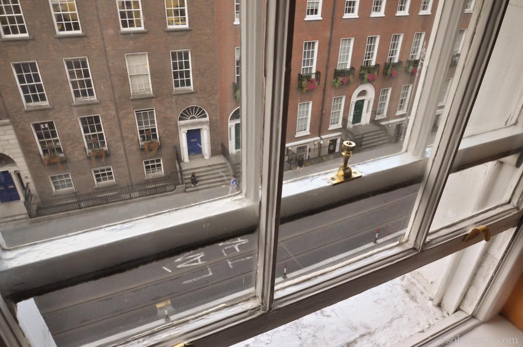 Вид из оена отеля в Дублине