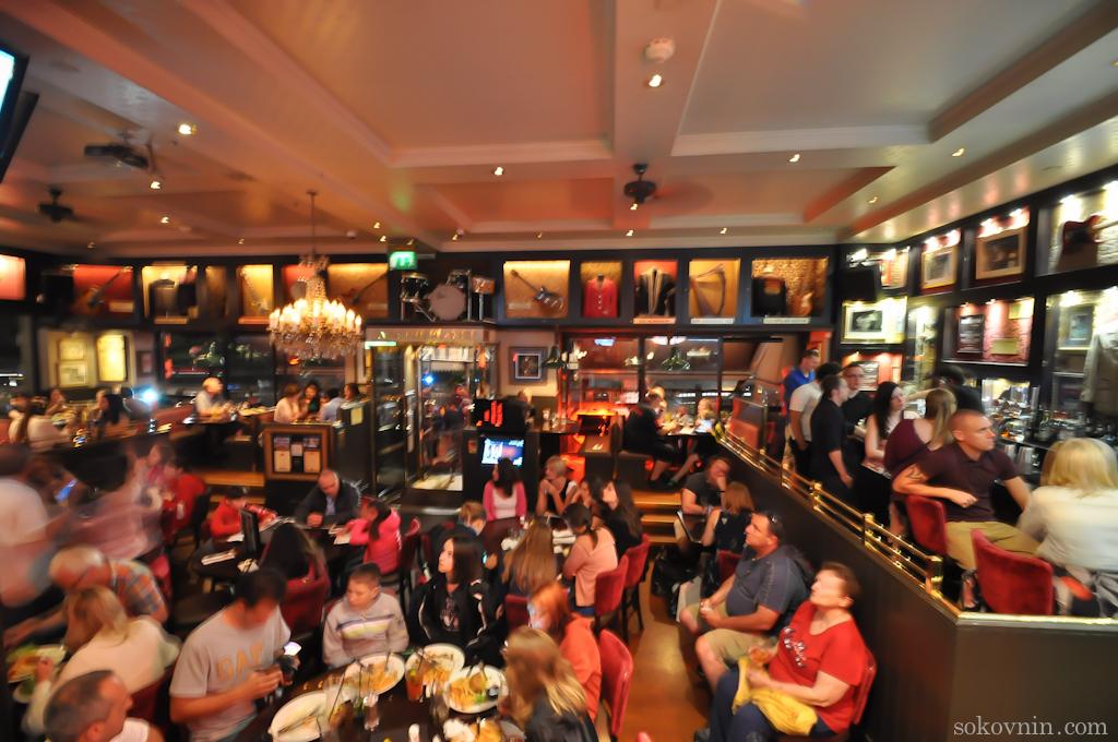 Большой зал ХардРок кафе