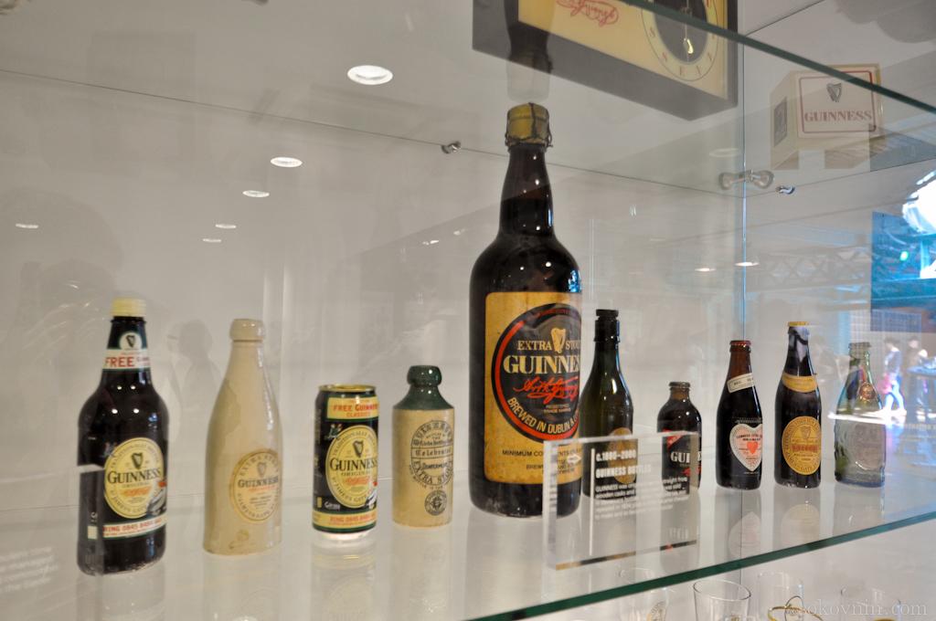 Коллекция пивных бутылок разных лет