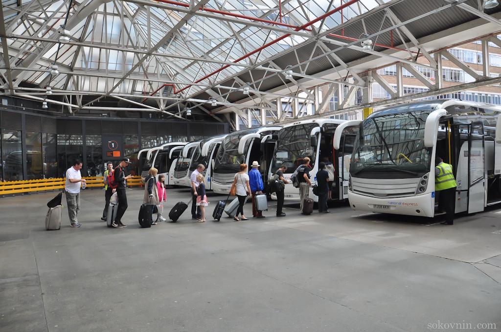Очередь на автобус в Англии