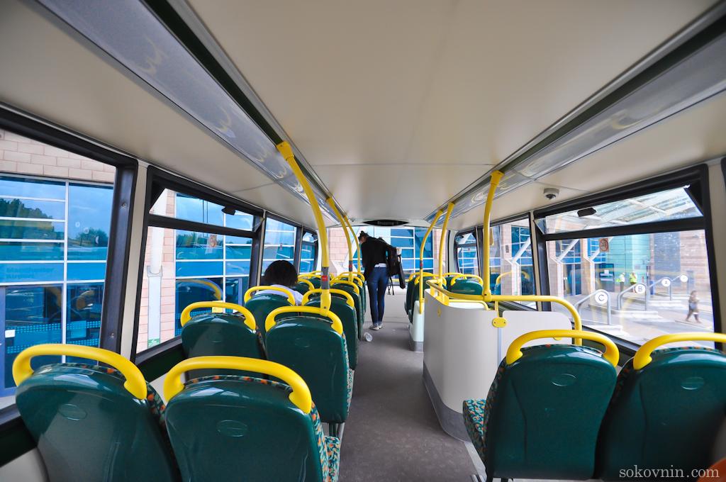Двухэтажный автобус в Англии