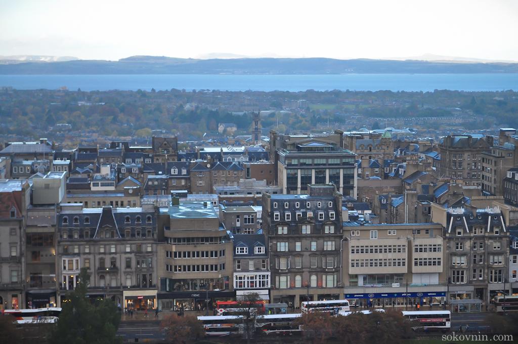 Вид на Эдинбург из замка