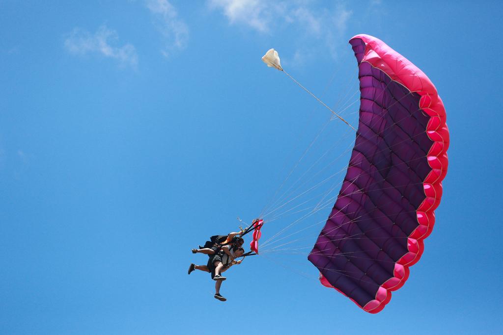 Прыжок с парашютом на Гаваях