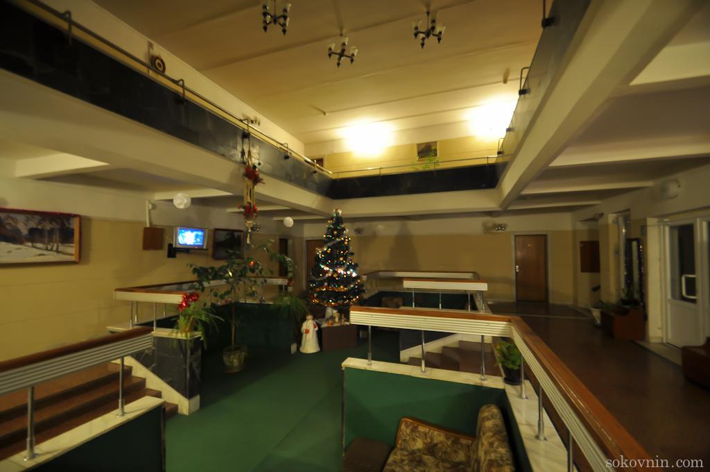 Холл в гостинице Места