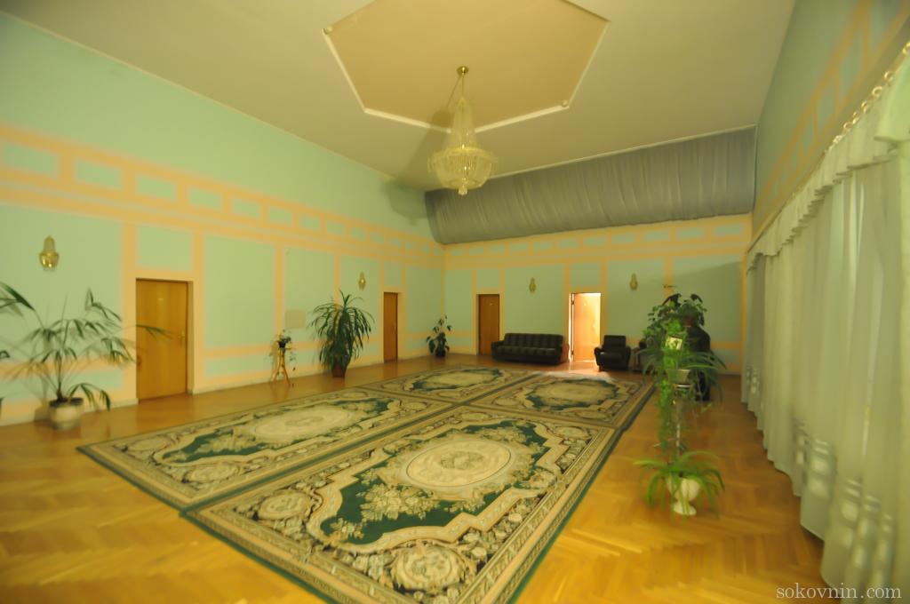 Большой зал в гостинице Мечта