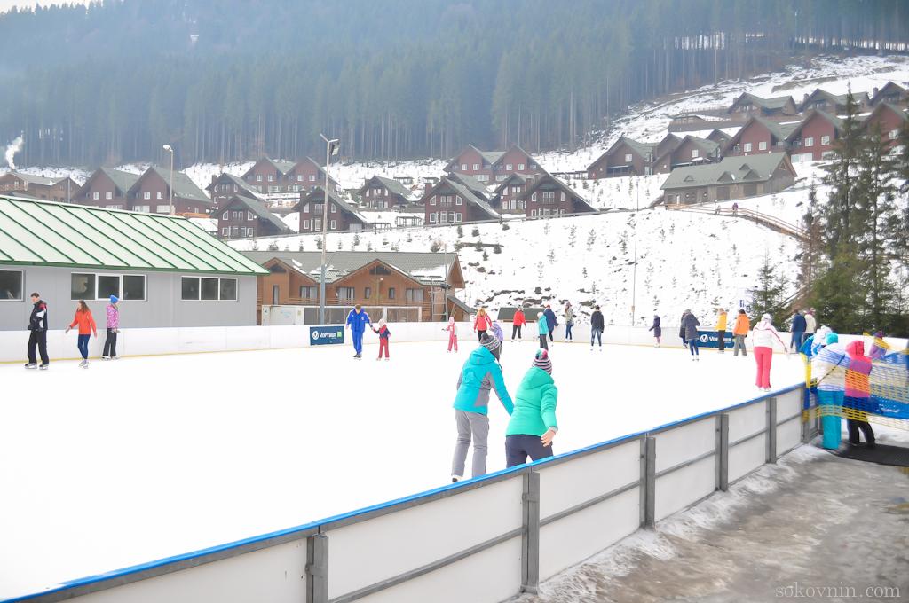 Ледовый каток в Буковеле