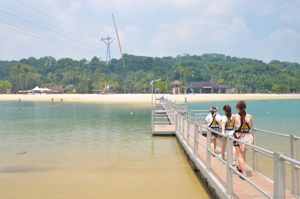 Мост к острову на Сентозе