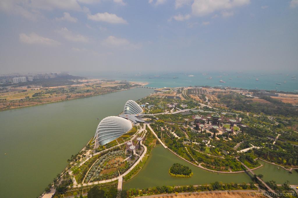 Вид со смотровой площадки Marina Bay Sands