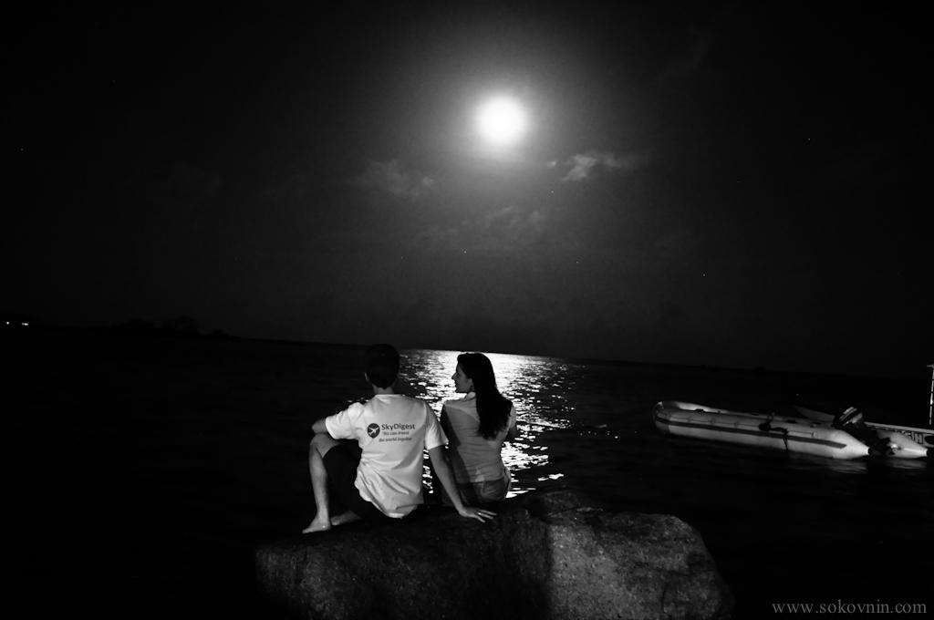 Мы на фыоне луны