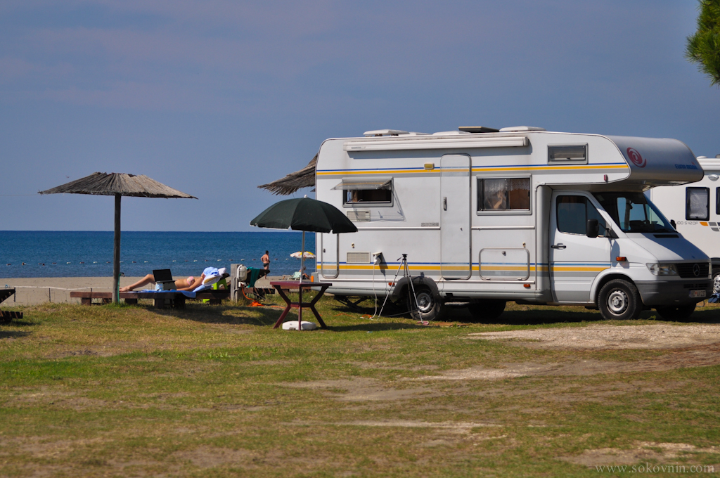 Стоянка на автодоме у пляжа