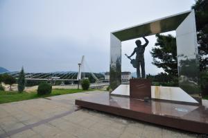 Памятник Высоцкому в Подгорице