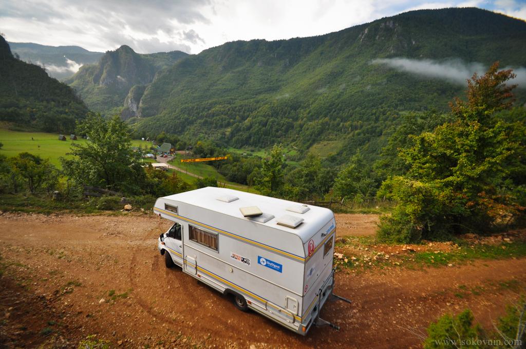 Наш дом на колёсах в горах Черногории