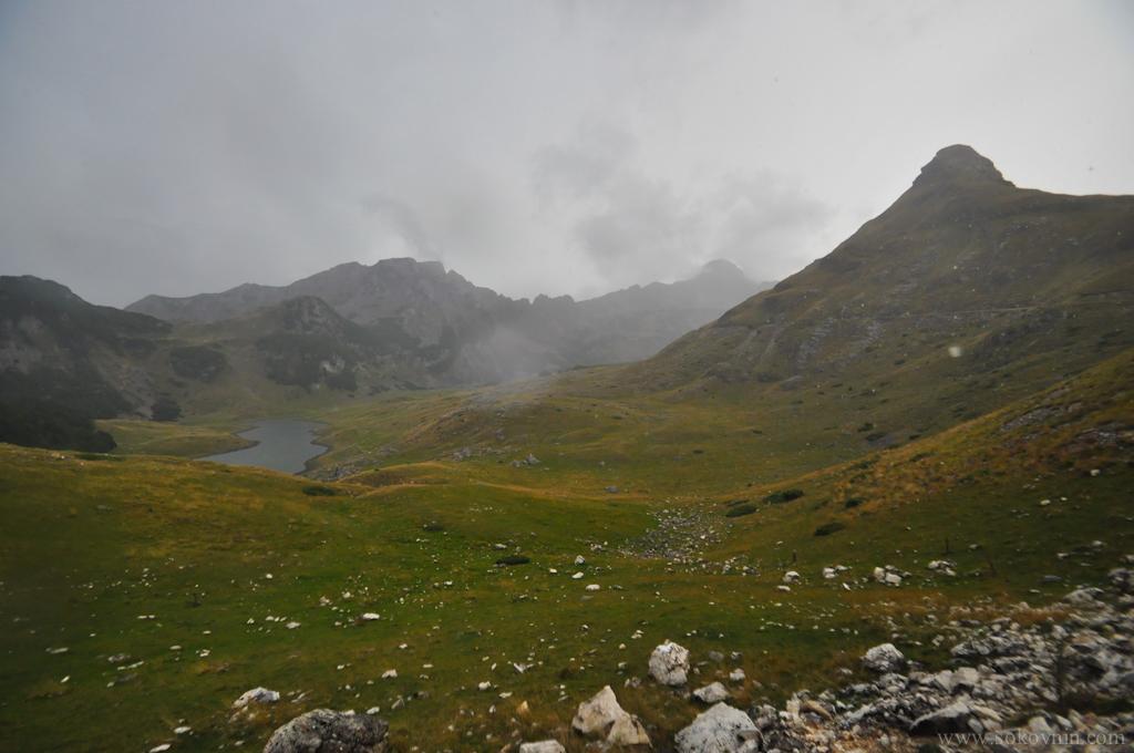 Горы Черногории. плохая погода