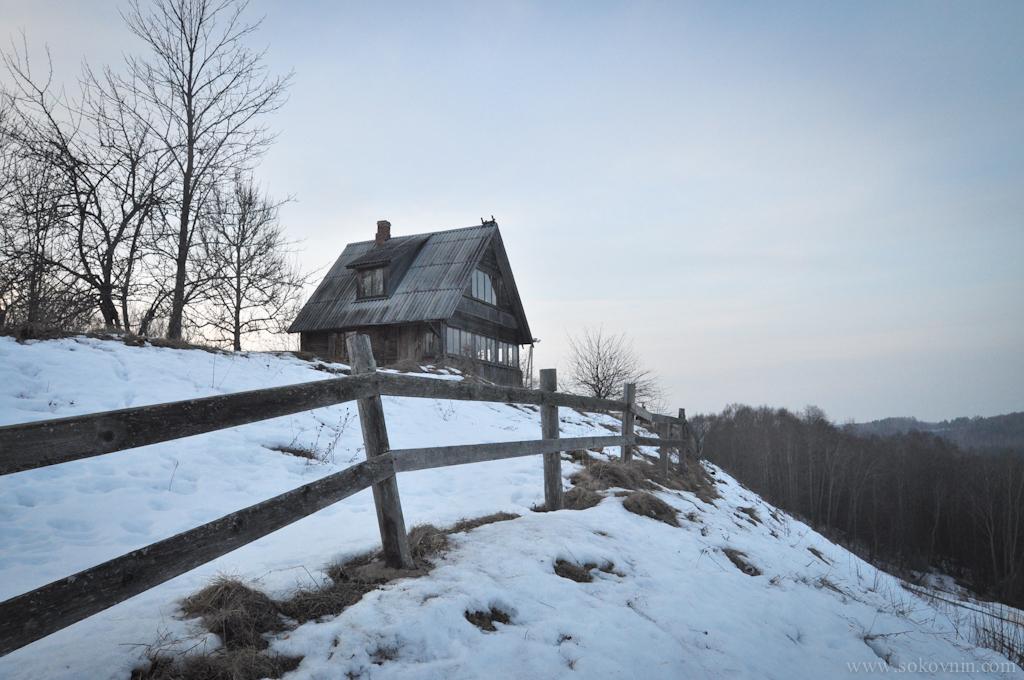 Один из домиков в котором можно переночевать