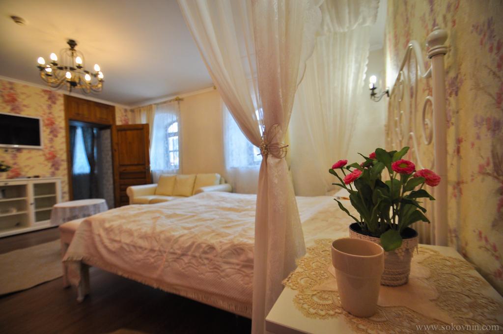 Отель в Изборске