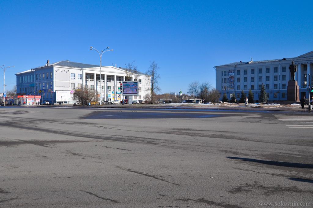 Площадь Ленина в Пскове