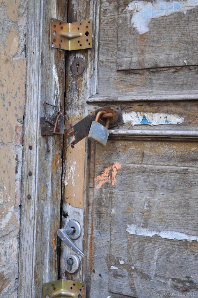 Замки на двери