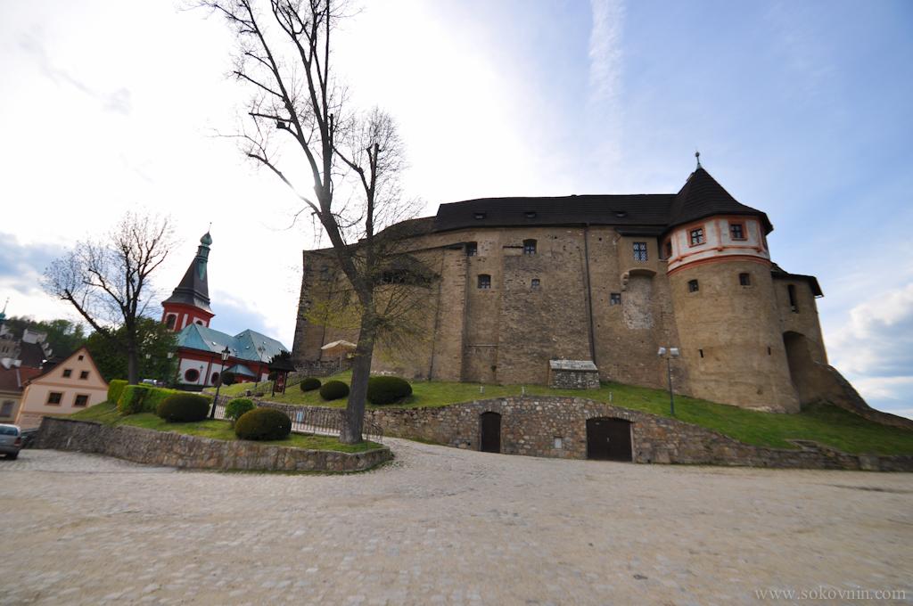 Замок недалеко от Карловых Вар
