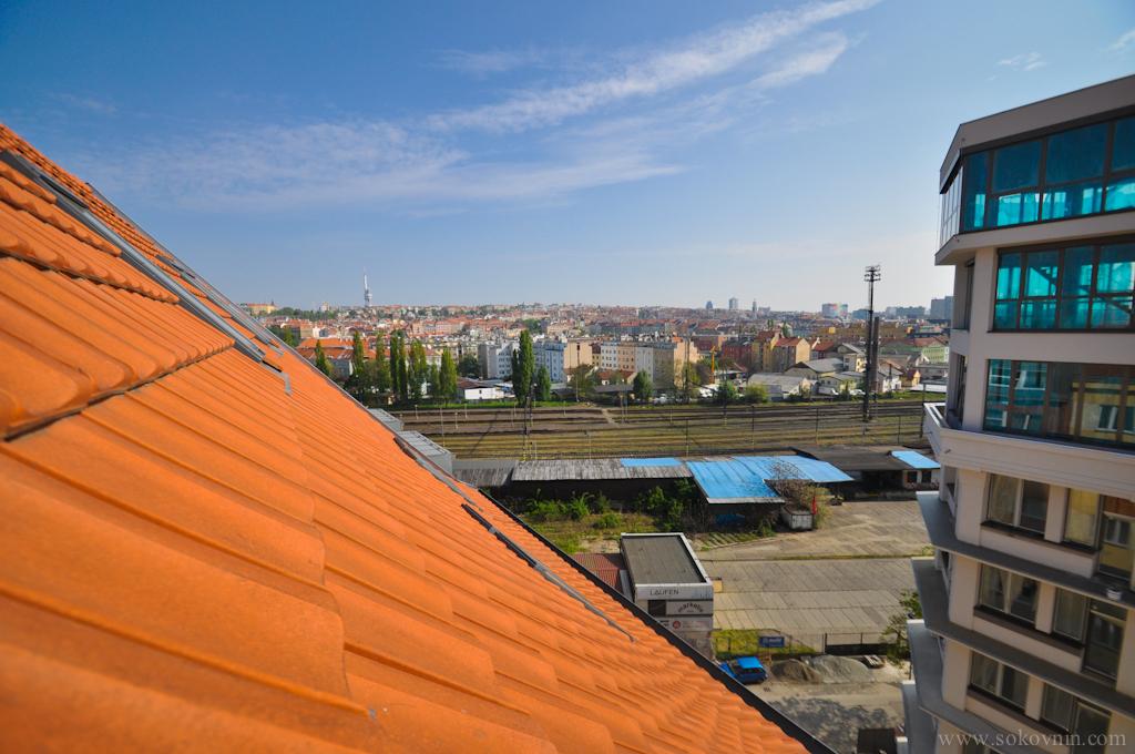 Вид из окна на Прагу
