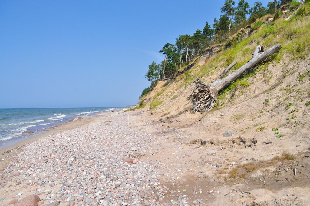 Галечный пляж в Литве