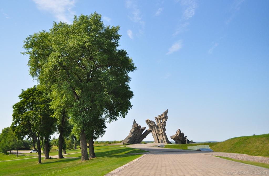 Форт в Каунасе, памятник войне