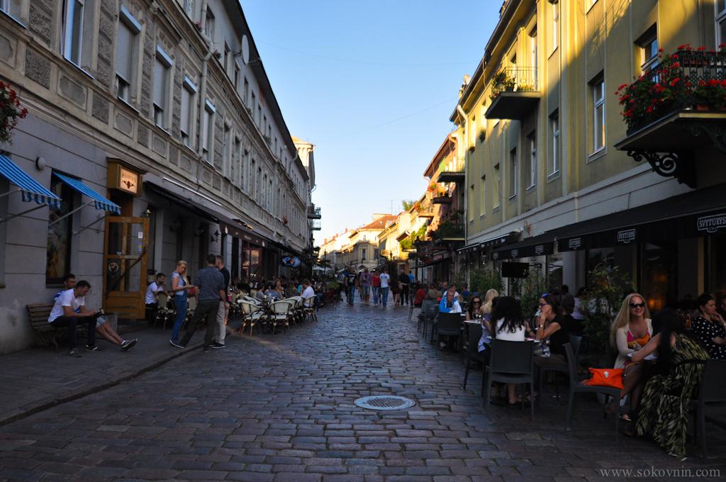 Улица с барами в Каунасе
