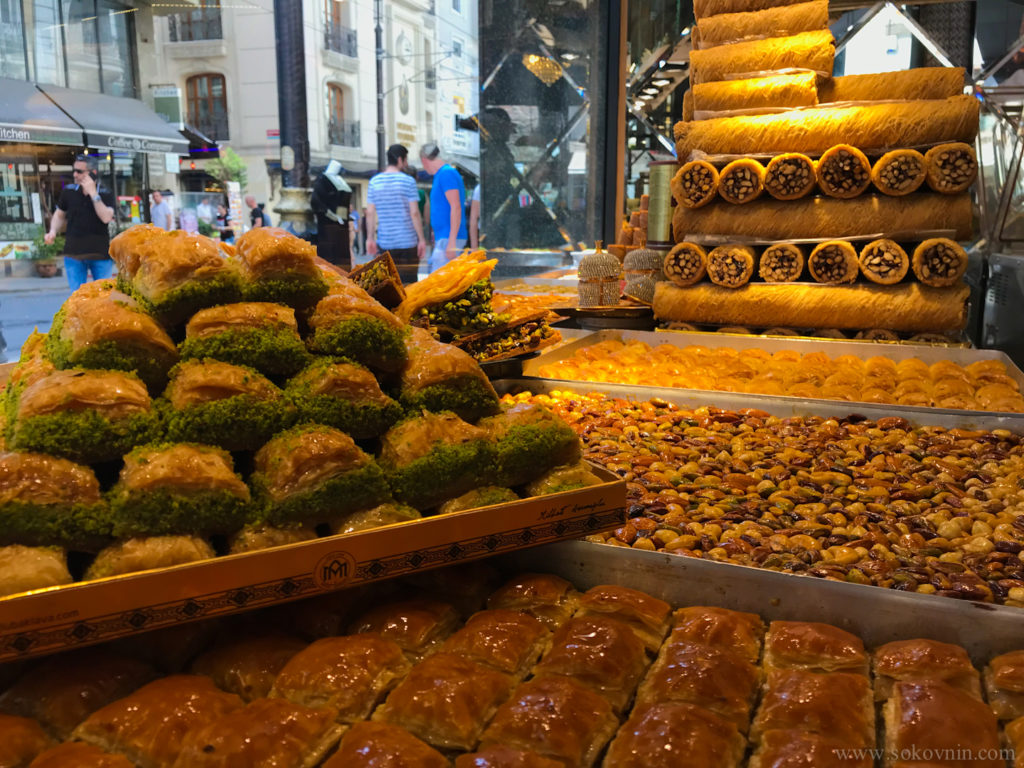 Пахлава и турецкие сладости в Стамбуле